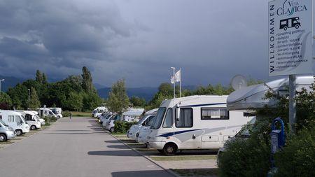 D 79189 Bad Krozingen Wohnmobilstellplatz An Der Therme Baden